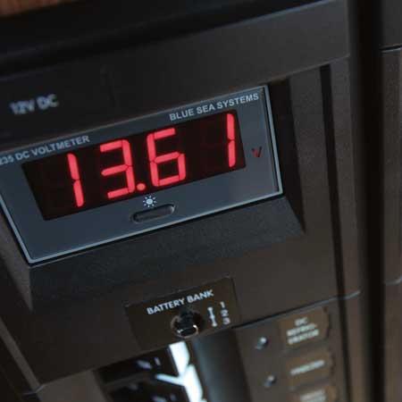 Digital Voltmeter read out